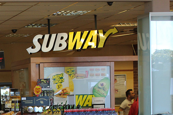 24 Shell Autohof Neumarkt Subway